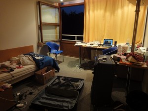 Last night at Expansiel: heavy packing going on...